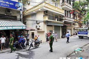 Người dân Hà Nội sơ tán sau trận rung lắc nhẹ nghi do động đất