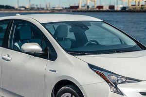 Toyota thu hồi 1 triệu xe Prius vì nguy cơ cháy nổ