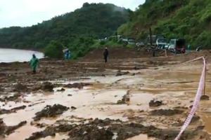 Nghệ An: Nỗ lực thông xe QL7 bị sạt lở ở dốc Chó