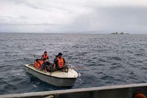 Quân cảng Sài Gòn: Tàu 739 kịp thời chuyển bệnh nhân đi cấp cứu tại đảo Trường Sa lớn