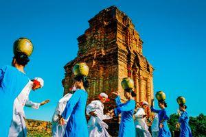 Phát huy di sản văn hóa Chăm qua lễ hội Katê