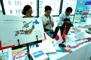 Giao lưu văn hóa kỷ niệm 45 năm thiết lập quan hệ ngoại giao Việt Nam - Nhật Bản