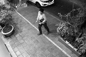 Nửa đêm phát hiện tên trộm 'ngoại' có hành vi kỳ quái trong xe ô tô