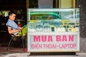 Diễn biến thú vị tại Việt Nam: iPhone chính hãng đua nhau giảm, máy xách tay lại nhích tăng