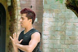 Yoga: duy trì sự dẻo dai cho cơ đùi, mông với 'tư thế BAMADEVASANA'