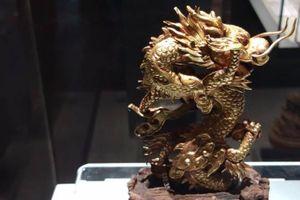 Vật dụng trong thư phòng vua triều Nguyễn xa hoa cỡ nào?