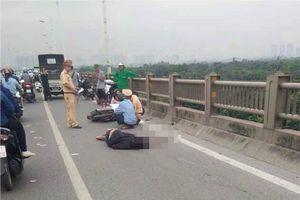 Người đàn ông tử vong cạnh xe máy trên cầu Vĩnh Tuy