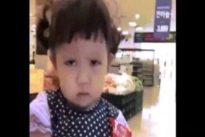 Cô bé khiến dân mạng 'phát sốt' với khuôn mặt khó ưa