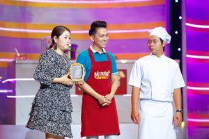 Minh Trường thắng vợ Nhã Thi khi thi nấu ăn trong 'Đấu Trường Ẩm Thực'