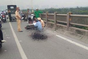 Nam thanh niên tử vong do đâm xe vào thành cầu