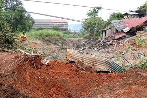 Đền bù cho các hộ dân sau sự cố vỡ đập bãi thải DAP tại Lào Cai