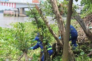 Phát hiện thi thể người đàn ông tóc bạc trôi trên sông Sài Gòn