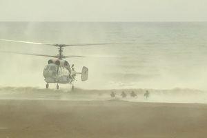 Cận cảnh hải quân đánh bộ Nga đổ bộ bờ biển Latakia, Syria