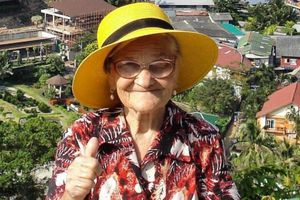 91 tuổi vẫn rong ruổi khám phá thế giới