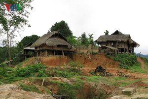 Hàng trăm hộ dân ở Nghệ An khẩn thiết mong di dời khỏi vùng sạt lở