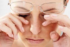 Những thói quen gây hại đến sức khỏe của mắt
