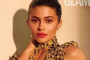 Hot girl Kylie Jenner đẹp sang chảnh trên bìa tạp chí nước Anh