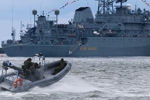 Tàu trinh sát Nga biết khi nào Hải quân Mỹ khai hỏa