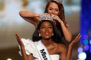 Tân Hoa hậu Mỹ đăng quang nhờ tài năng, trí tuệ