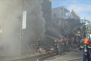 Cháy lớn tại quán bar ở Đà Nẵng