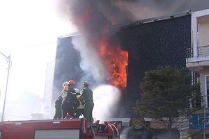 Hiện trường vụ cháy kinh hoàng tại quán bar trung tâm Đà Nẵng