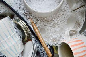 Những sai lầm khi rửa bát đĩa ảnh hưởng đến sức khỏe