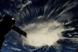 Hơn 1 triệu người Mỹ sơ tán tránh cơn bão nguy hiểm