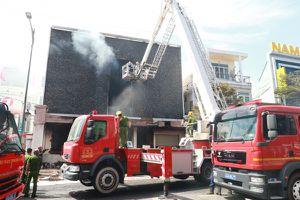 Cháy lớn giữa trung tâm thành phố Đà Nẵng