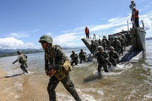 Khuấy động Biển Đông, Trung Quốc giúp 'hâm nóng' tình đồng minh Mỹ-Philippines