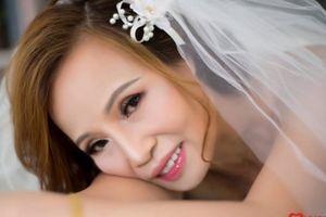Món quà đặc biệt cô dâu 61 tuổi dành tặng bố mẹ chồng trong ngày cưới chú rể 26 tuổi
