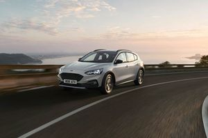 Ford không dám nhập khẩu Focus Active từ Trung Quốc