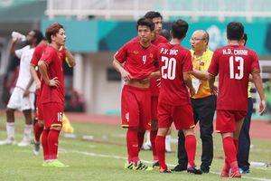 Cầu thủ Olympic Việt Nam tặng 250 triệu đồng cho đội bóng đá nữ Việt Nam