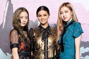 Selena Gomez đọ sắc cùng hai thành viên Black Pink tại show thời trang