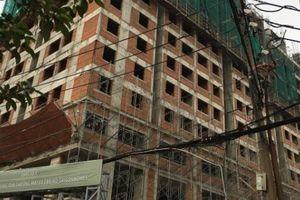 Rơi từ tầng 10 công trình Saigon Homes, 2 người tử vong