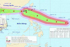Bão số 5 sầm sập vào bờ, siêu bão Mangkhut uy hiếp biển Đông