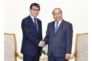 Thủ tướng Nguyễn Xuân Phúc tiếp đại diện các nước đến dự WEF ASEAN 2018