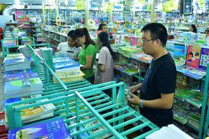 Mua sách song ngữ nhưng chỉ học phần tiếng Việt