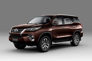 Top 10 xe bán chạy nhất tháng 8: Sự trở lại của Toyota Fortuner
