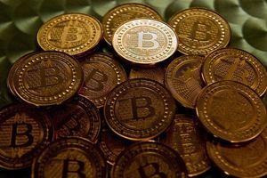 Bitcoin cầm cự mốc 6.000 USD, vốn hóa tiền ảo 'bốc hơi' từng ngày