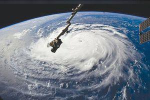 Hơn 1 triệu dân Mỹ phải sơ tán do siêu bão Florence