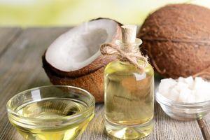 Những mối hại khôn lường tiềm ẩn trong dầu dừa