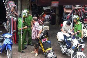 Vụ cảnh sát nghi 'làm luật' tại chợ Bà Chiểu: Tạm đình chỉ 7 người