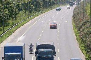 Hơn 140 ôtô ở Hà Nội bị tước phù hiệu do vi phạm tốc độ