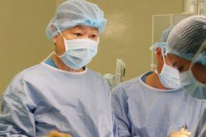 Dùng hệ thống máy truyền máu hoàn hồi hỗ trợ cắt u gan cho bệnh nhi