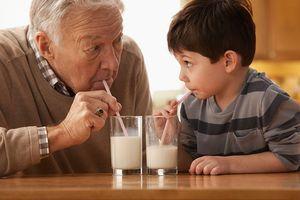 Tại sao nên uống sữa mỗi ngày?