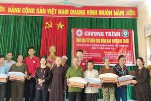 Thanh Hóa: Sẻ chia với các gia đình bị thiệt hại do mưa lũ huyện Bá Thước