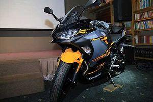 Cận cảnh Kawasaki Ninja 400 mới giá 156 triệu tại Việt Nam