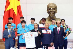 Thủ tướng Nguyễn Xuân Phúc: Chiến thắng lịch sử của bóng đá Việt Nam