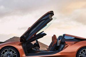 Siêu xe Hybrid BMW i8 Roadster chốt giá bán chính thức