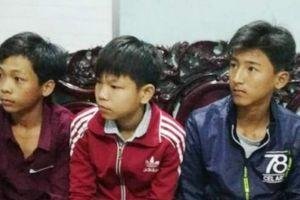 Ba cậu bé nghèo trả lại 40 triệu đồng nhặt được khi đi chơi Tết